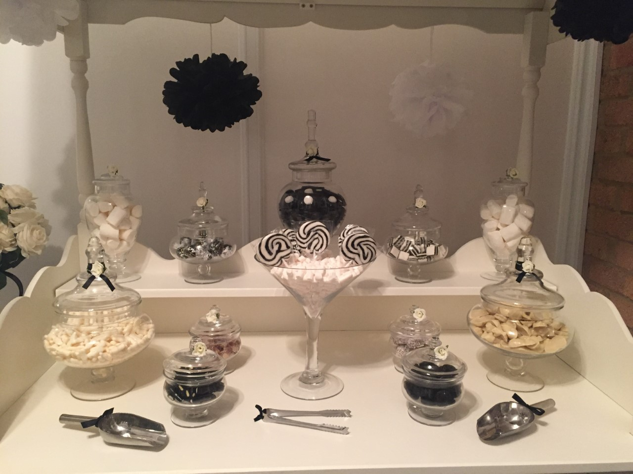 Black & White Sweet Buffet