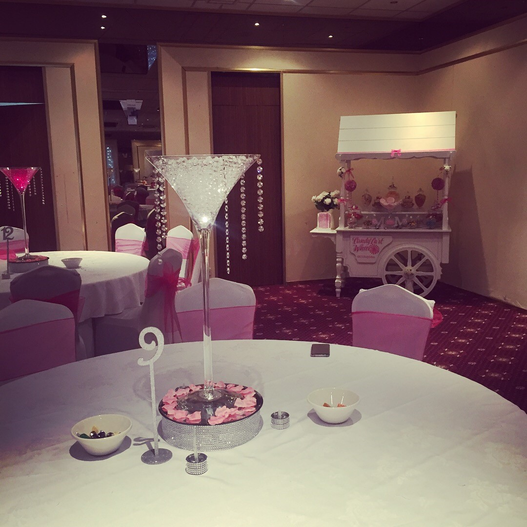 Candy Banquet Wedding Cart Hot Pink - Croydon Park Hotel