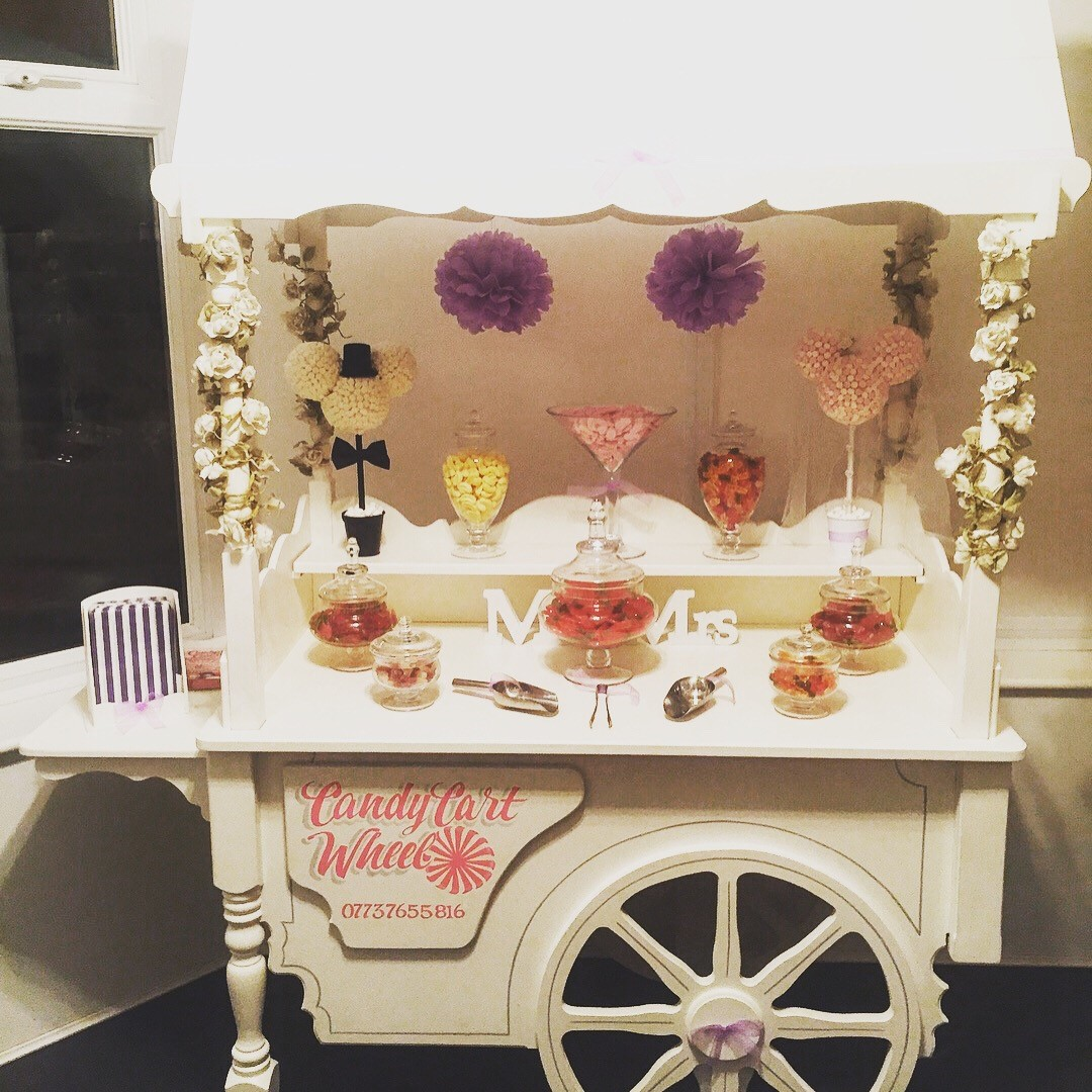 Candy Treat Minnie & Micky Wedding Cart