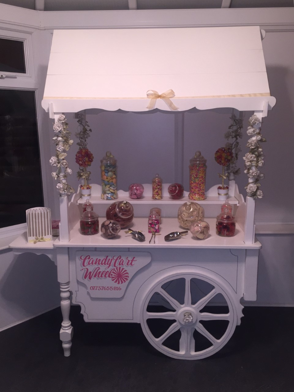 Candy Banquet Gold Wedding Vegetarian Sweet Cart